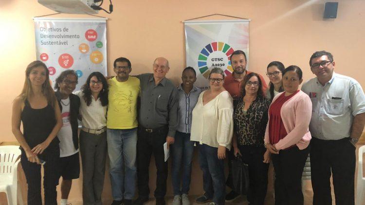 Representantes da OPAS visitam a Gestos e debatem combate à tuberculose