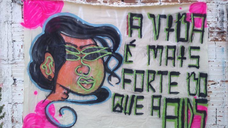Dia Mundial de Luta contra a Aids conversando com a comunidade no Recife
